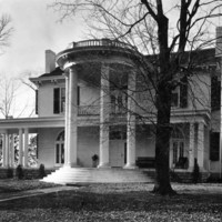 Gray House002.jpg