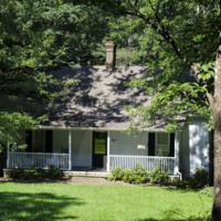Gladstone Cottage001.jpg