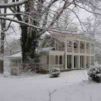 Dunbar house in snow, 2010.JPG
